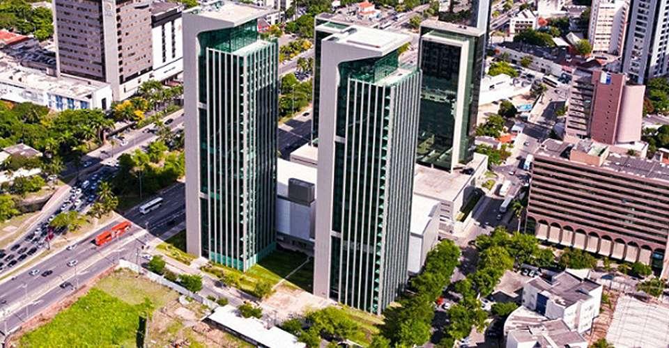 prédios modernos mostram o potencial econômico da cidade do recife